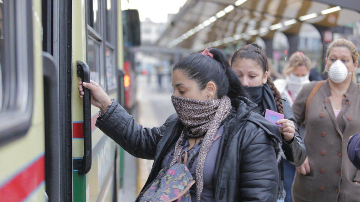 0037564289 - Coronavirus: tips when traveling by public transport