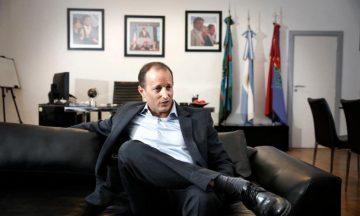 """Polémica con Insaurralde: de usar políticamente su sueño en el Bailando, a echarlo por un """"like"""" en Facebook"""