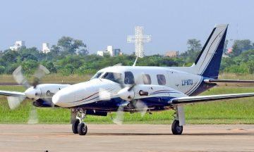 Escándalo: ministro de Alberto Fernández usó un avión oficial para irse de vacaciones