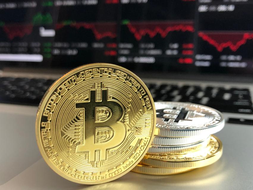 Los tips de los especialistas para ahorrar en Bitcoin